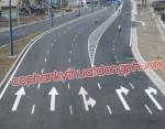 Thi công sơn đường đại lộ đông tây